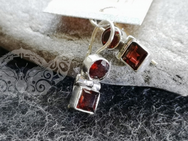 925 Sterling Silver GARNET Earrings #2508