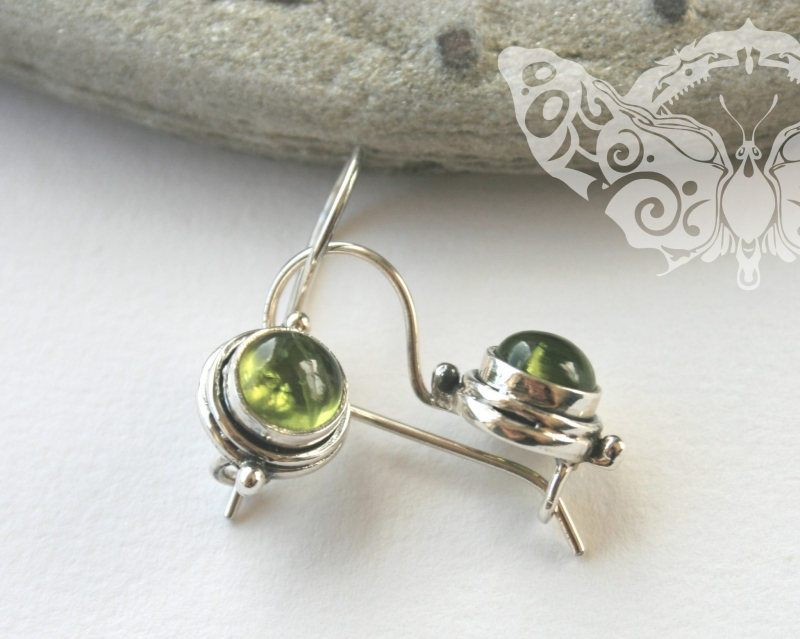 925 Sterling Silver PERIDOT Earrings #2493