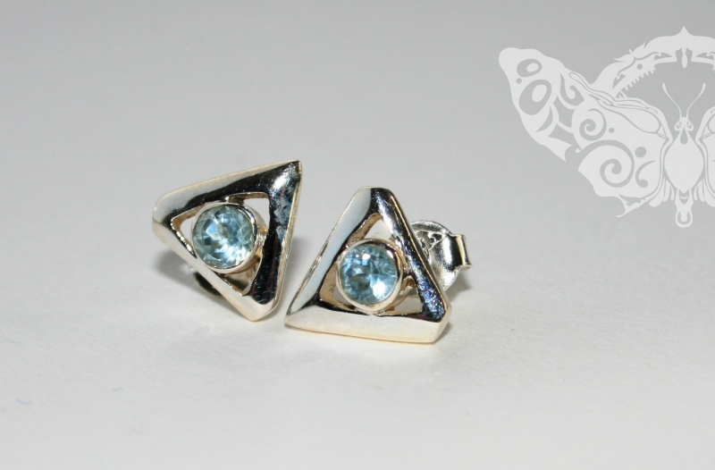 925 Sterling Silver BLUE TOPAZ Earrings #1211
